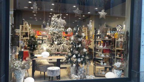 Vetrina natalizia di un negozio